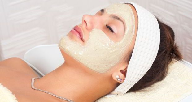 Benefits of multani mitti for oily skin