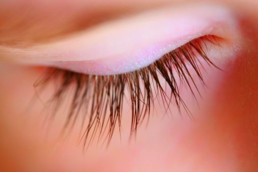 Tips to grow eye lashes