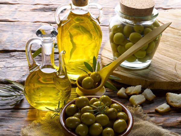 Top benefits of olive oil for skin care, health care and hair care