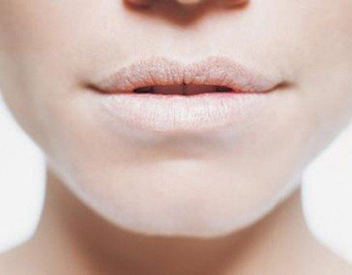 Winter lip care tips to treat the dry chapped lips